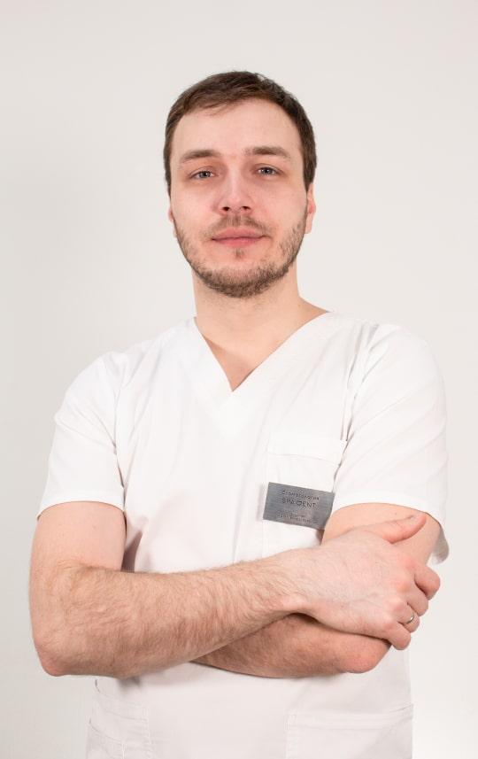 Голоднюк Артем Вячеславович - Врач-стоматолог, хирург, имплантолог