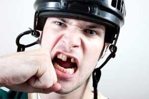 Что делать, если у вас выбит зуб?